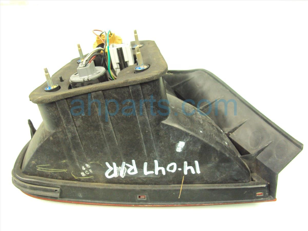 2002 Honda Accord Rear Lamp Passenger Tail Light Quarter Mounted 33501 S82 A01 Replacement
