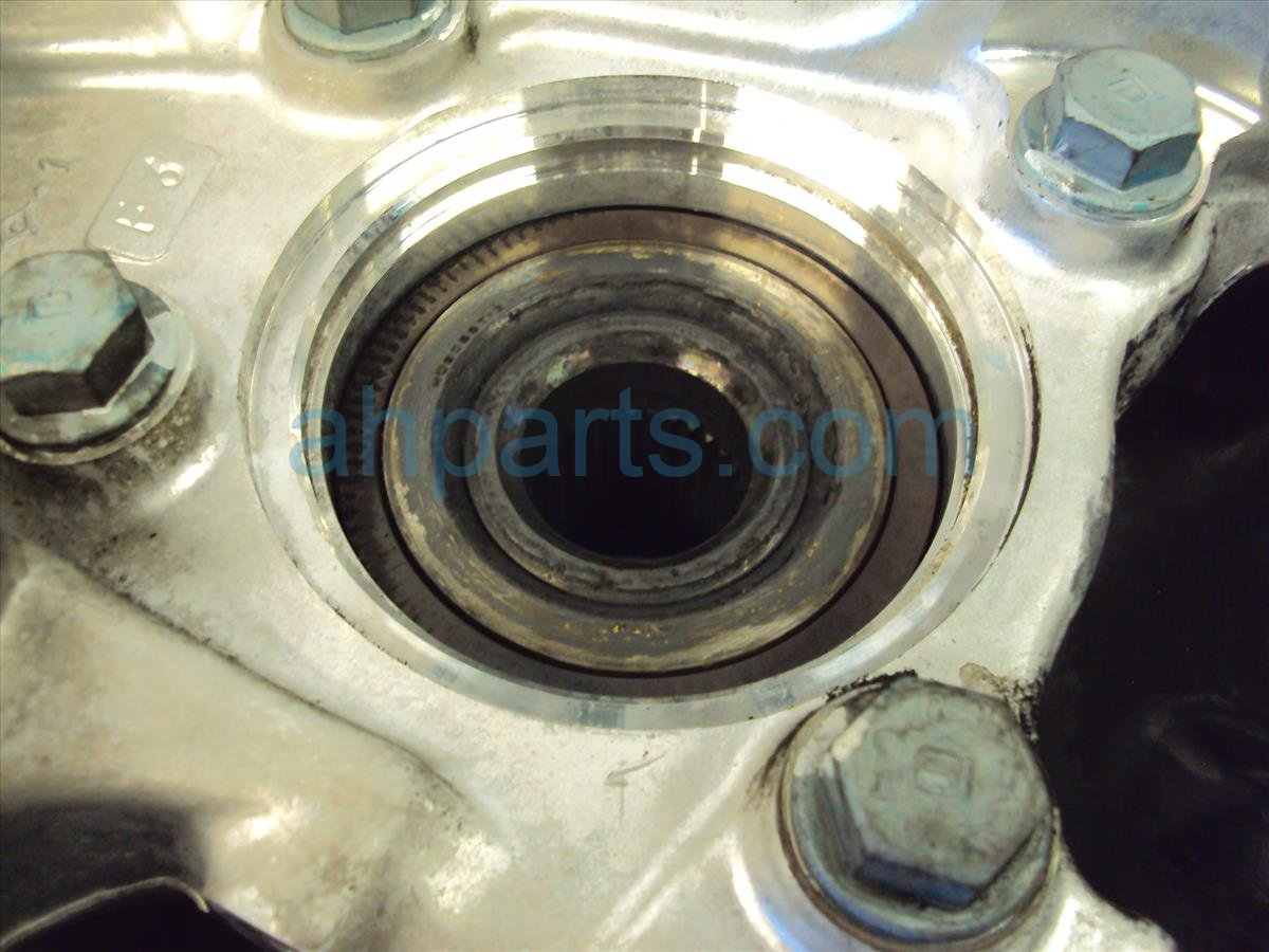 2006 Acura RL Hub Front driver SPINDLE KNUCKLE Replacement