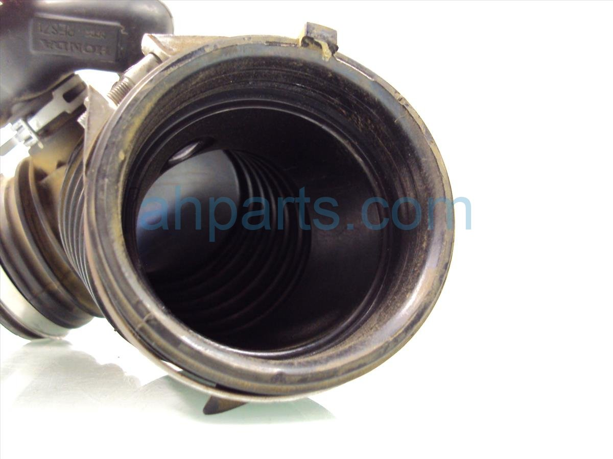 2012 Honda CR V Intake AIR FLOW TUBE 17228 R5A A00 17228R5AA00 Replacement