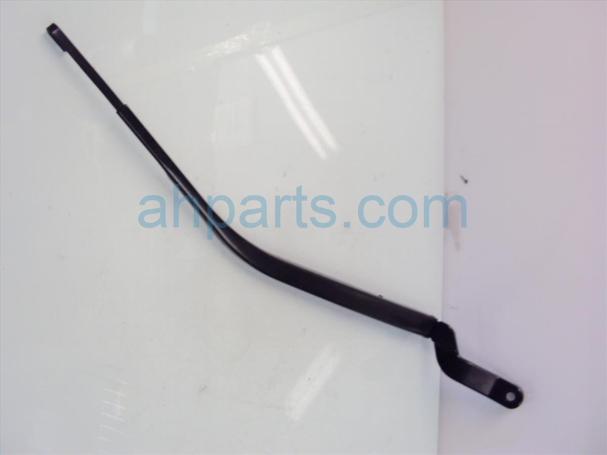 2014 Acura RDX Windshield Passenger Wiper Arm Small Scratches 76610 TX4 A01 Replacement