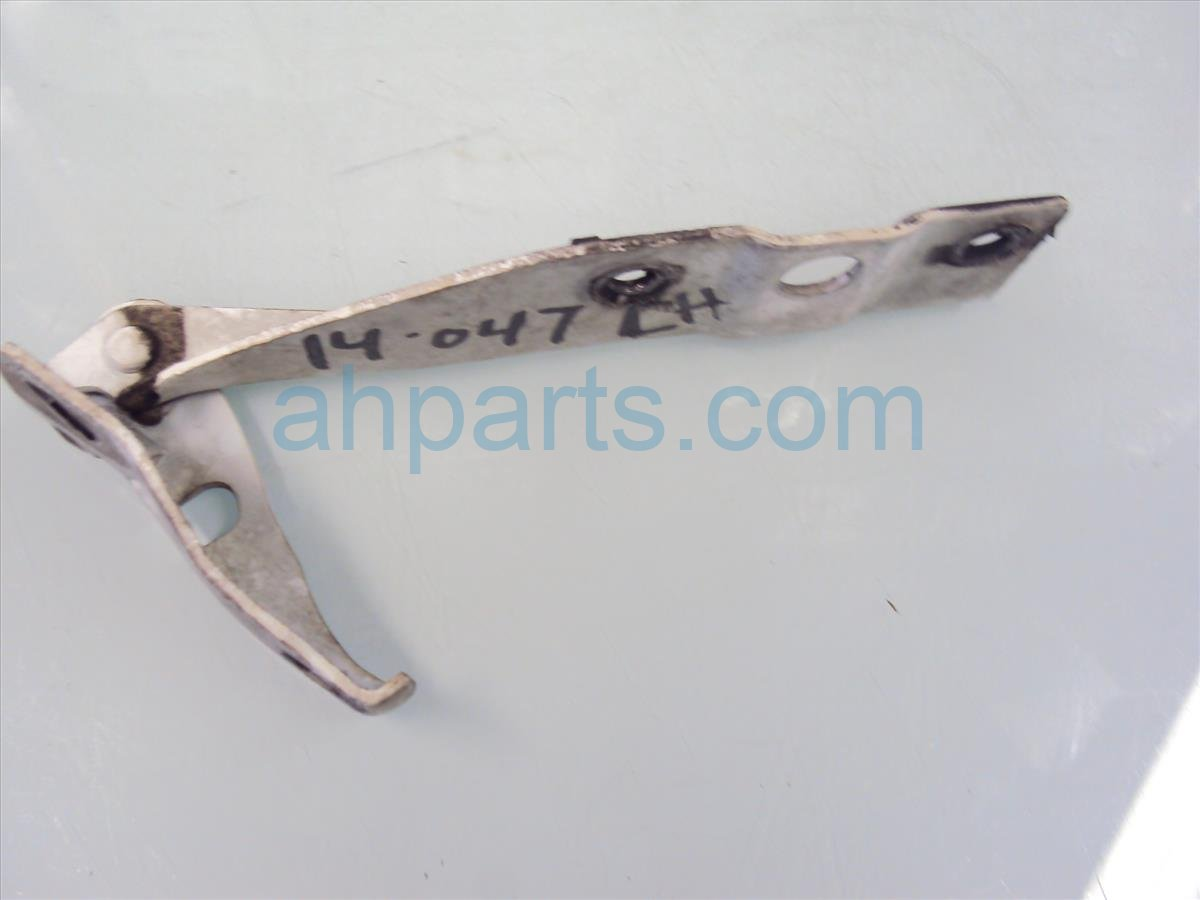 2002 Honda Accord Driver HOOD HINGE WHITE Replacement