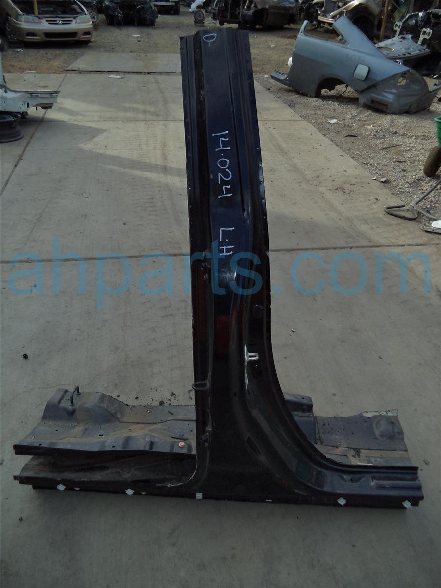 2012 Honda Odyssey Cut Driver Side Center Pillar Black 63610 TK8 305ZZ Replacement