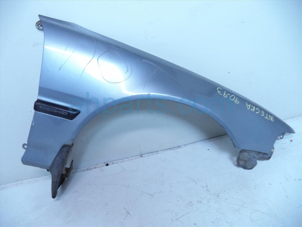 1993 Acura Integra Front Passenger Fender Needs Paint! Dings Replacement