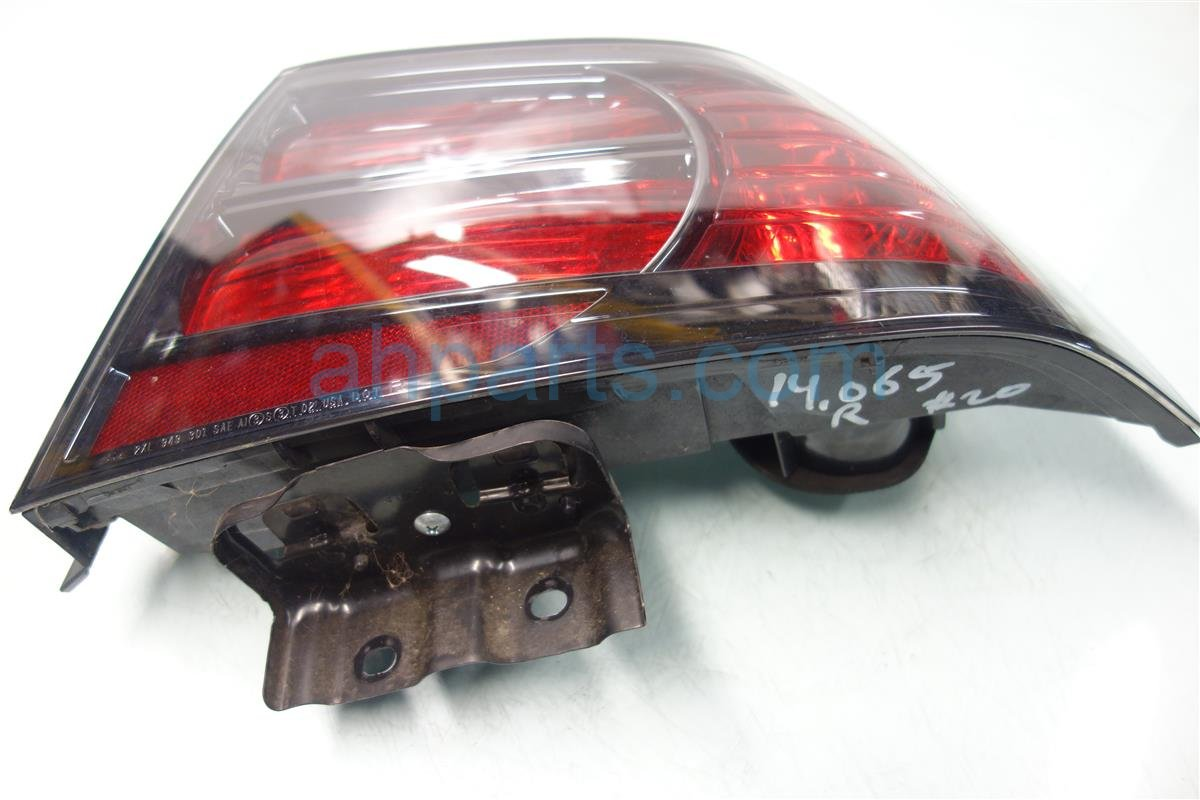2008 Acura TL Rear Passenger Tail Lamp Light Cracked Edg 33501 SEP A22 Replacement
