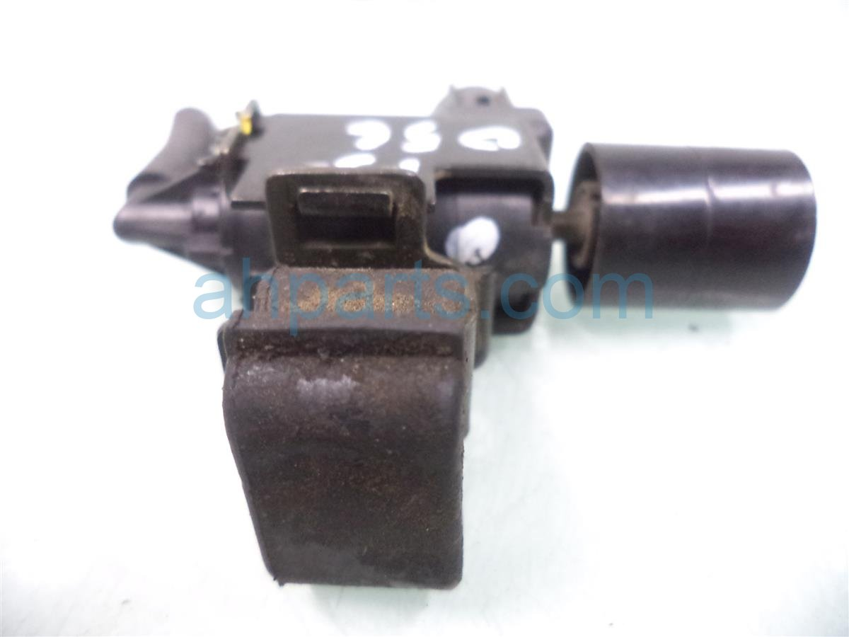 2004 Acura MDX Vapour Switch Solenoid Replacement