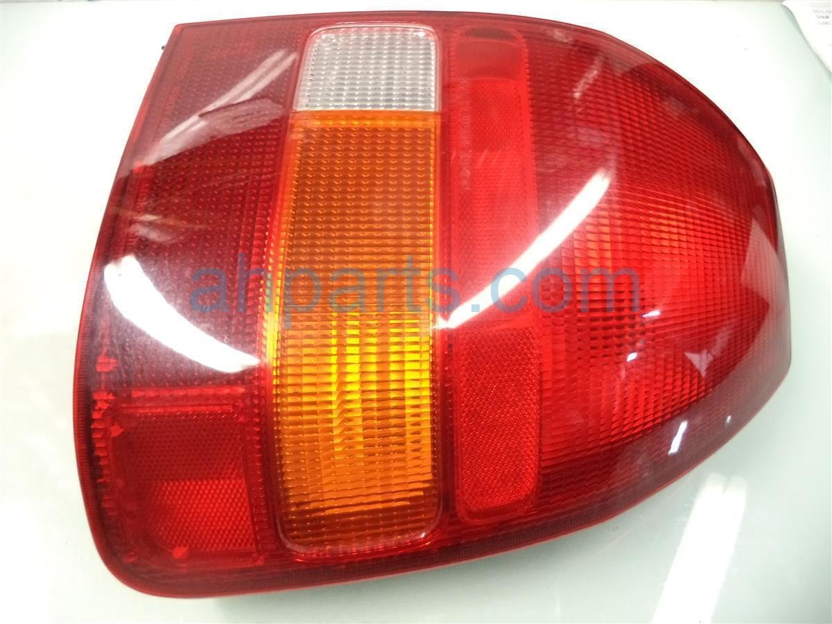 1998 Honda Civic Rear Lamp Passenger TAIL LIGHT HATCHBACK Replacement