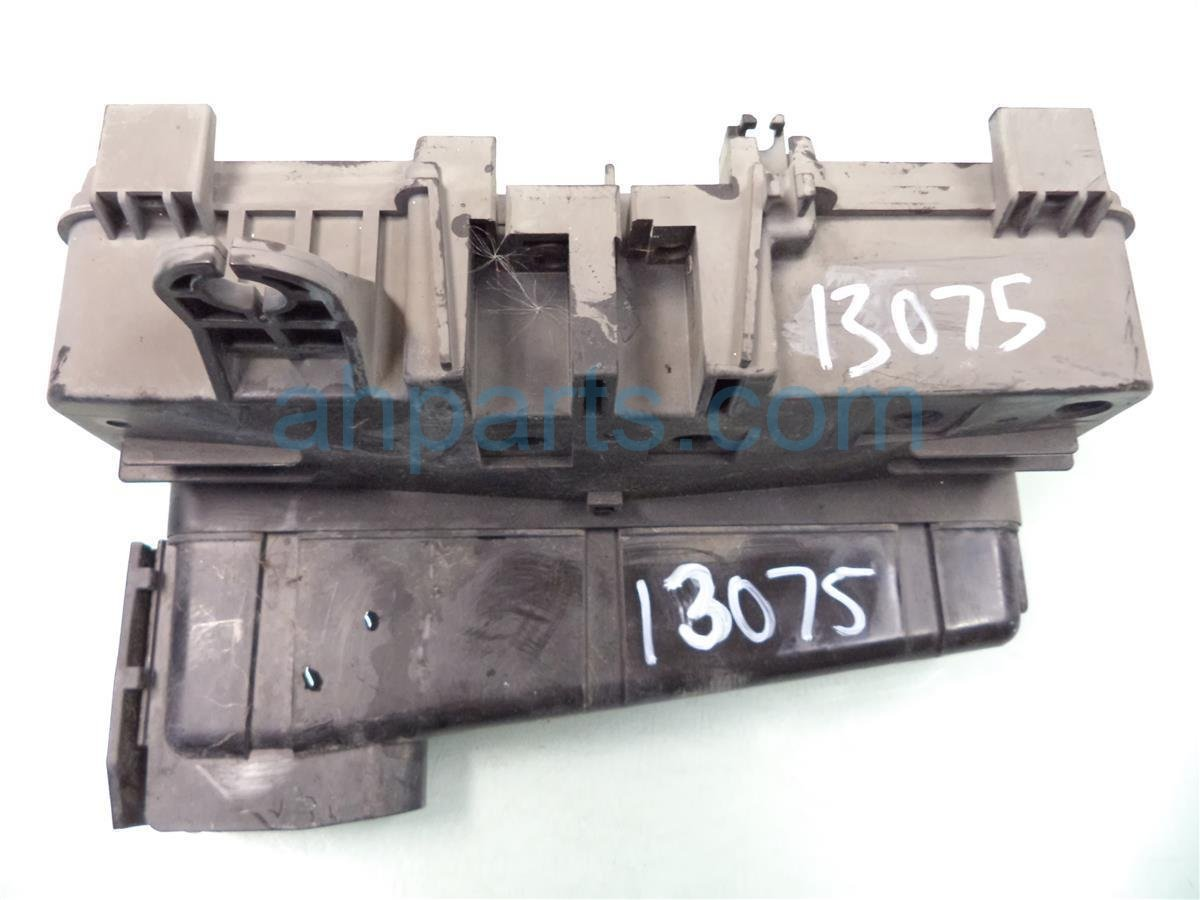 2001 Honda Odyssey ENGINE FUSE BOX no lid 38250 S0X A12 38250S0XA12 Replacement
