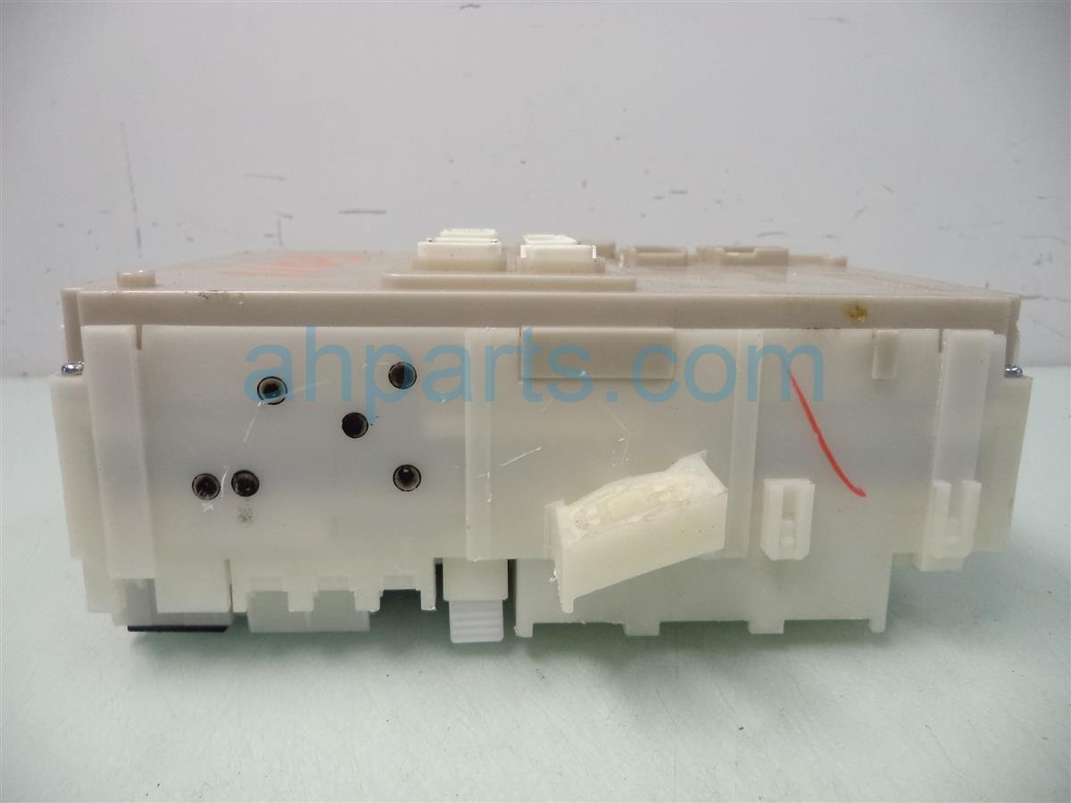 2011 Honda CR Z DASH FUSE BOX ASSY 38200 SZT A11 38200SZTA11 Replacement