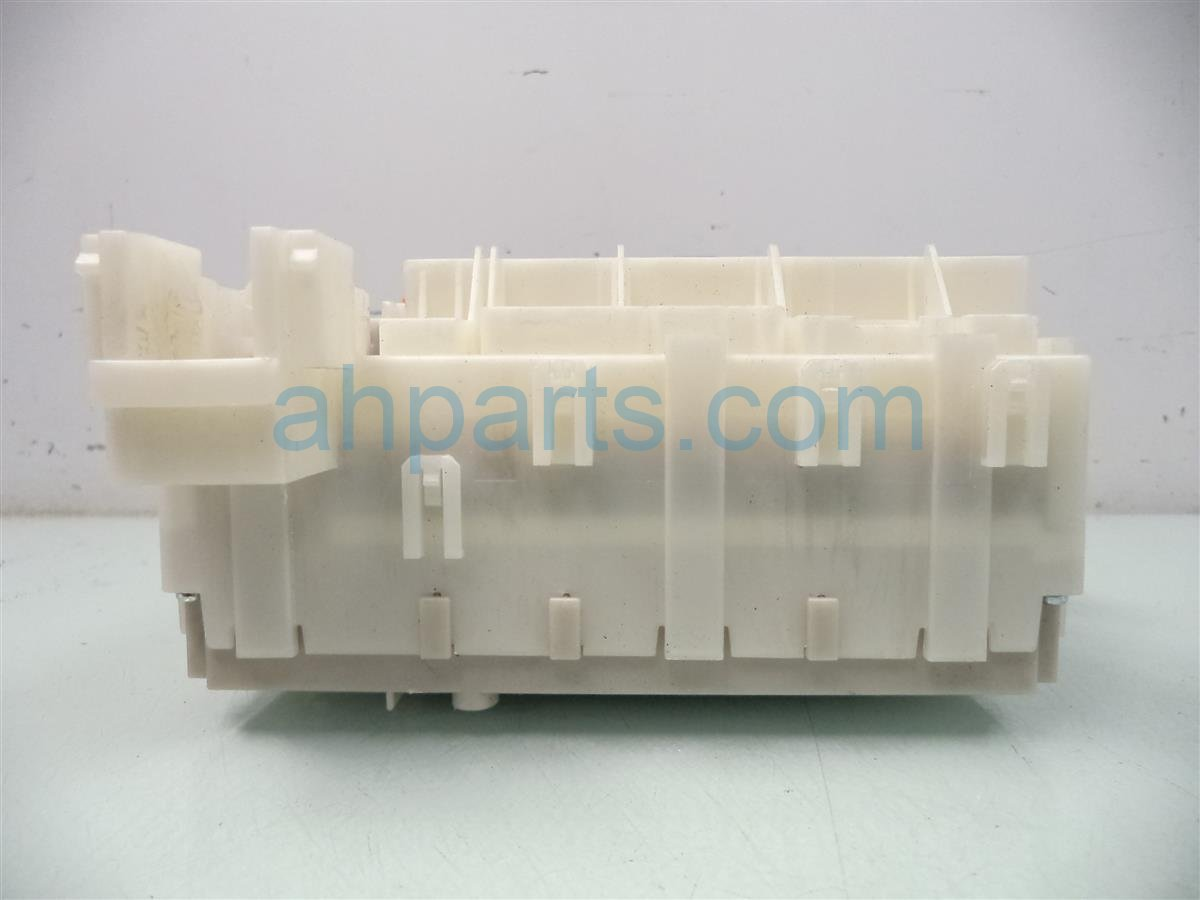 2011 Honda Insight FUSE BOX 38200 TM8 A02 38200TM8A02 Replacement