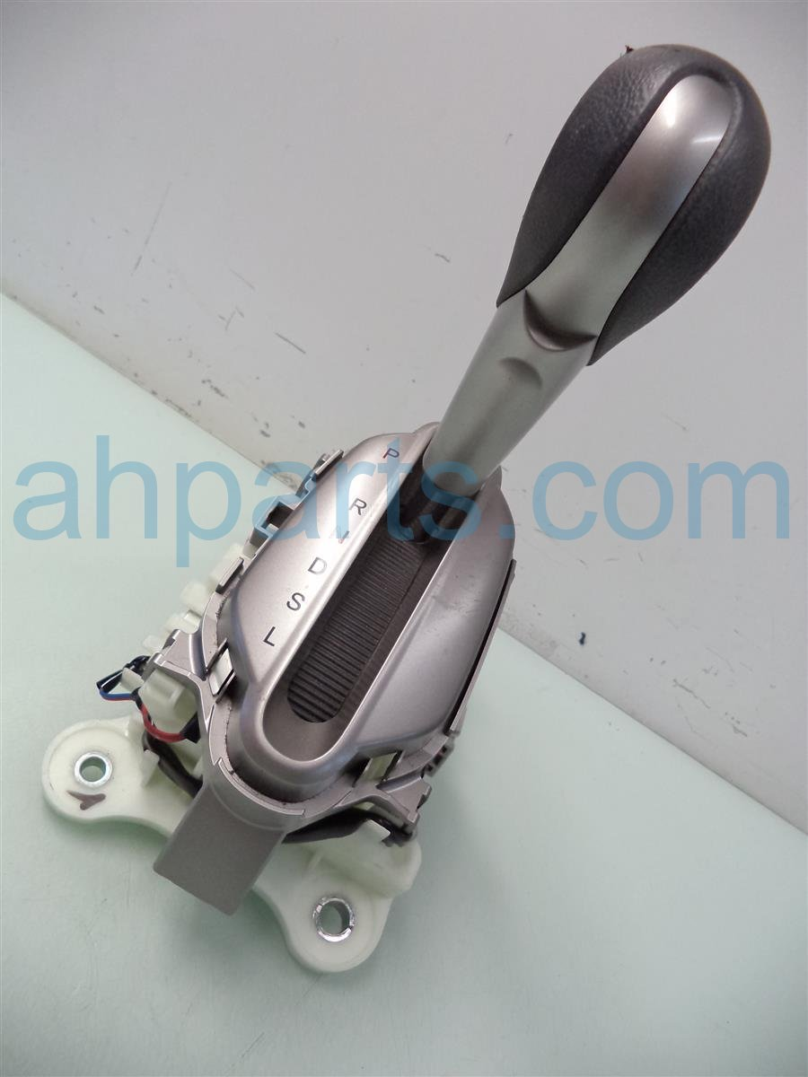 2011 Honda Insight FLOOR SHIFTER SCRATCHES ON HANDLE 54200 TM8 A61 54200TM8A61 Replacement