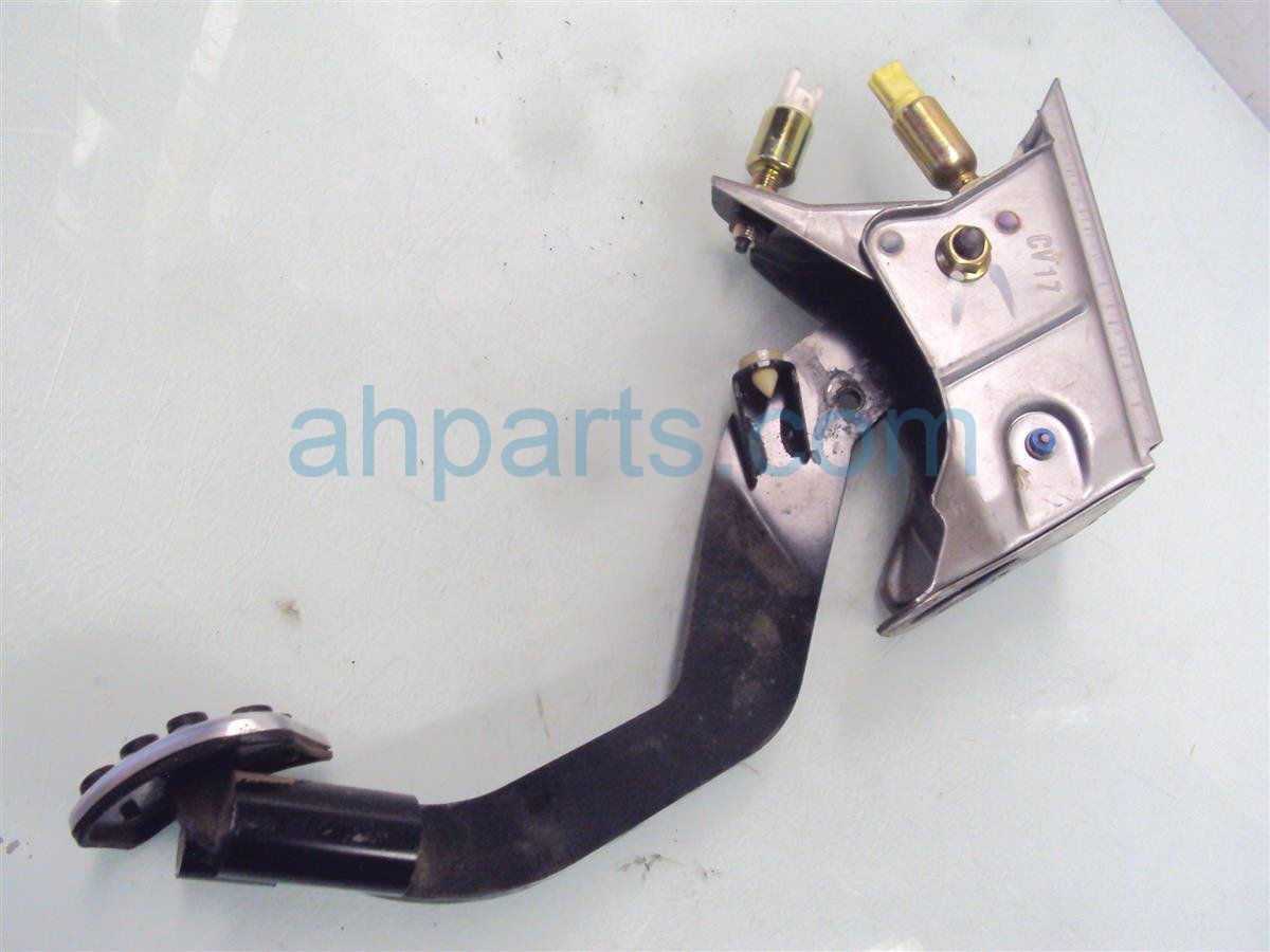 2004 Honda S2000 CLUTCH PEDAL 46910 S2A A03 46910S2AA03 Replacement