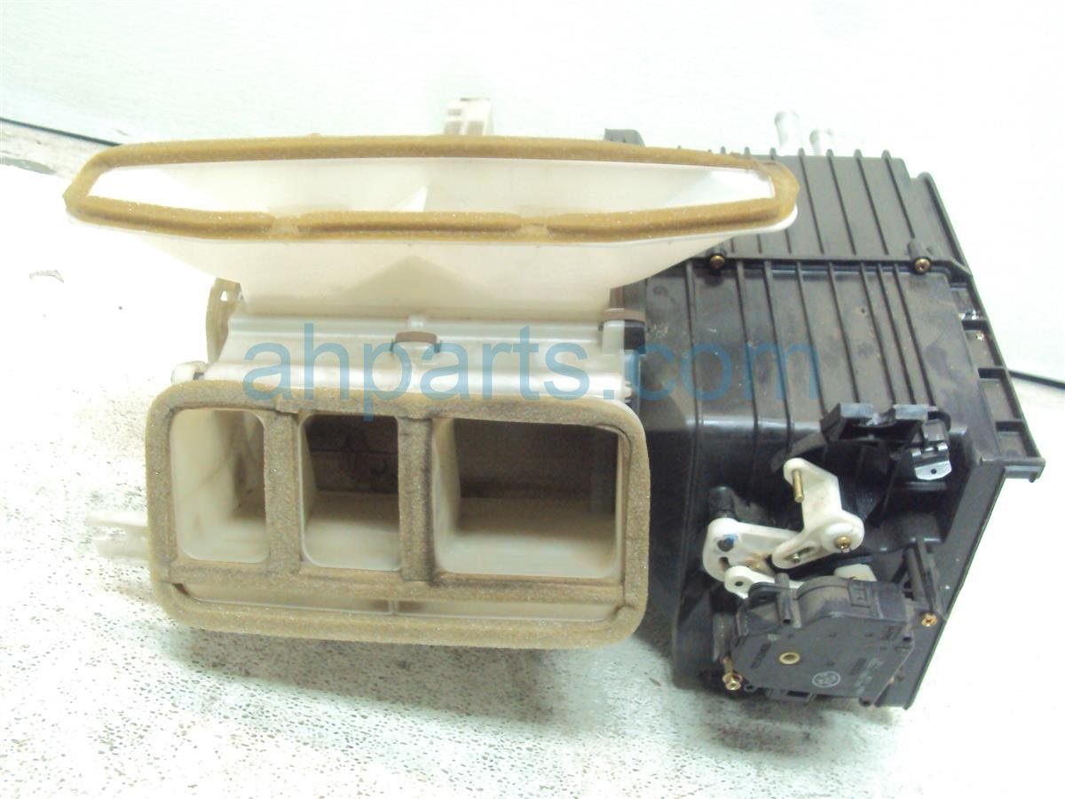 2004 Honda S2000 HEATER CORE 79100 S2A A02 79100S2AA02 Replacement