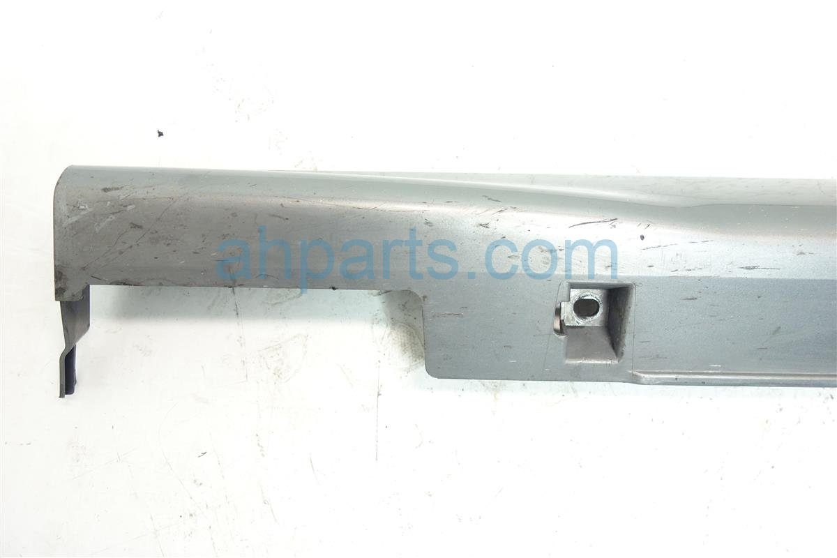2007 Honda Civic Rocker molding trim Driver SIDE SKIRT HAS SCRATCHES GREY Replacement