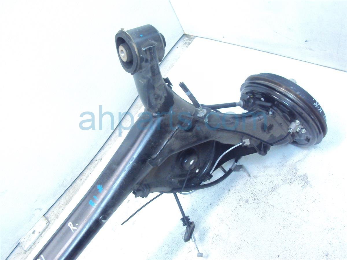 2015 Honda FIT REAR SPINDLE BEAM ASSY 42100 T5R A12 42100T5RA12 Replacement
