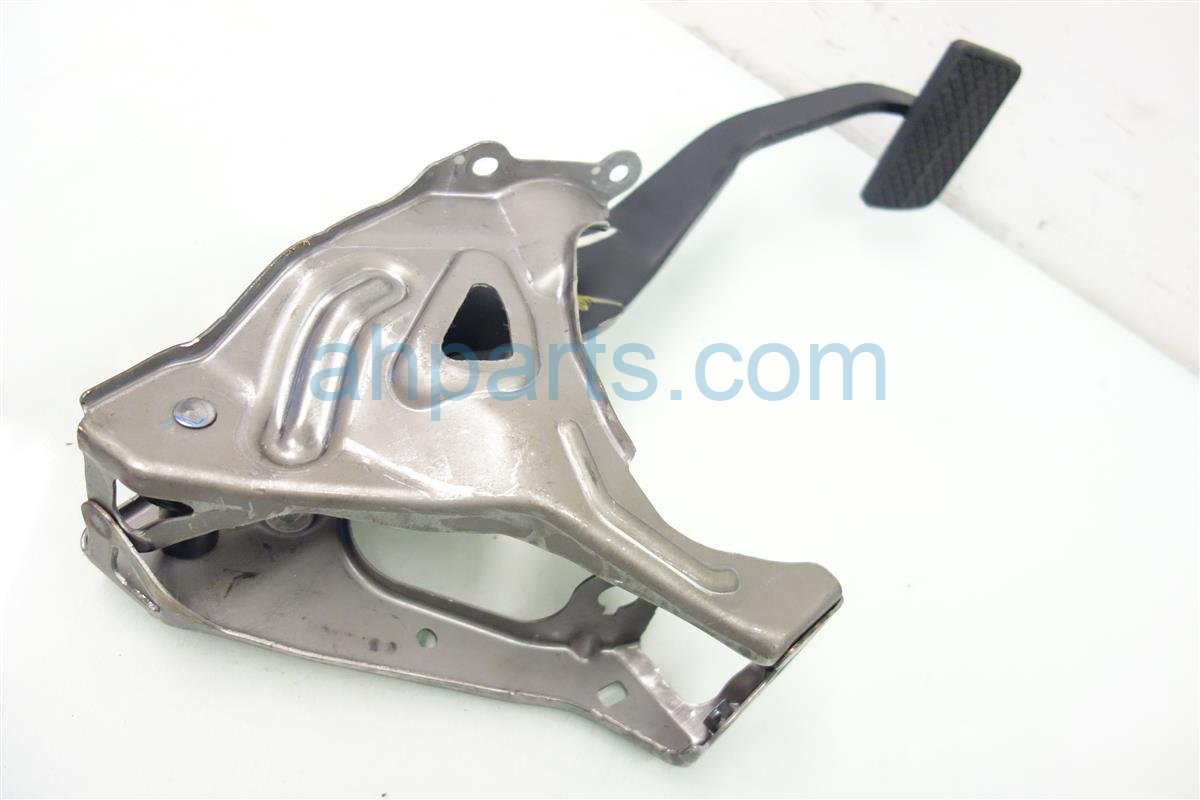 2015 Honda FIT BRAKE PEDAL 46600 T5R A51 46600T5RA51 Replacement