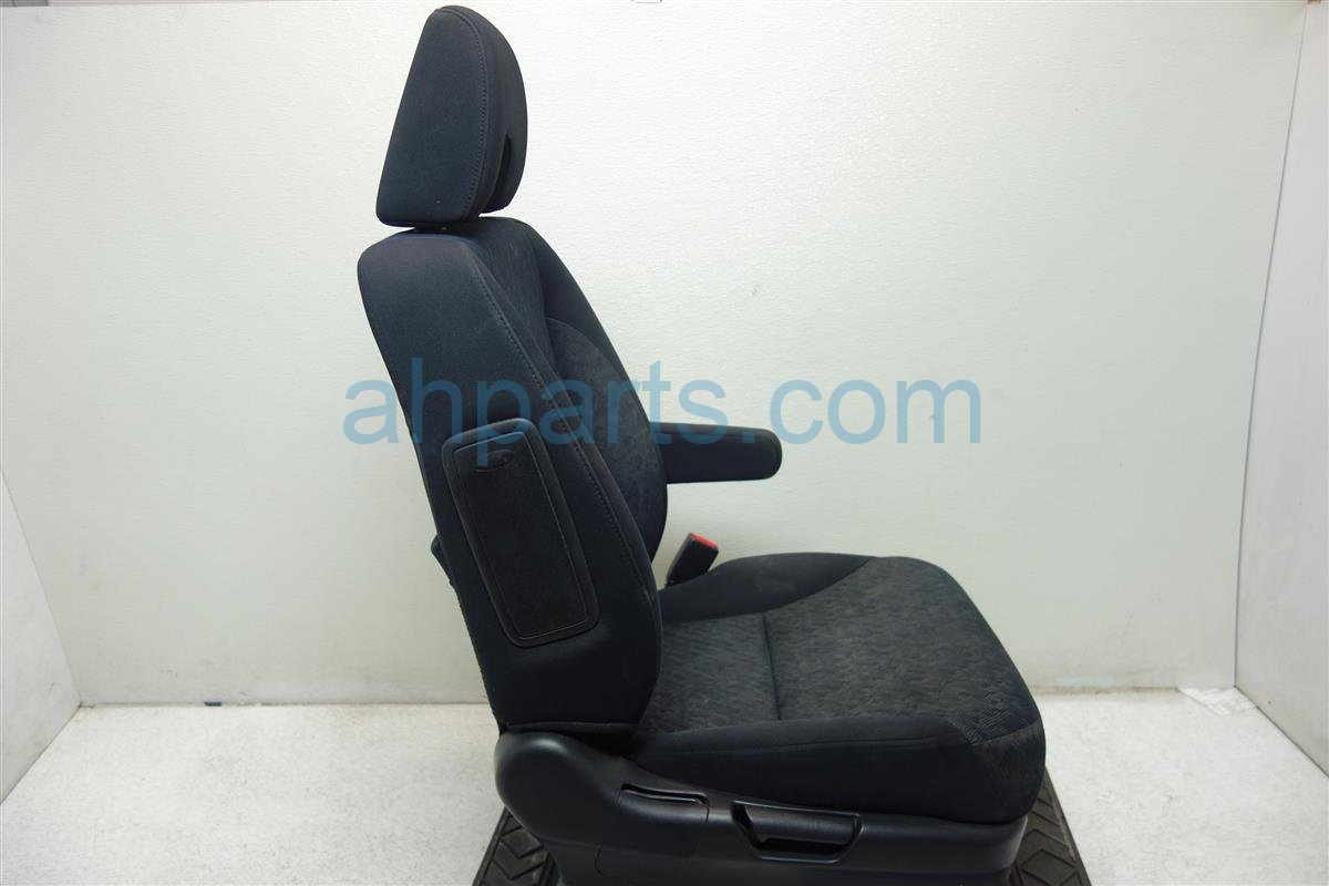 2006 Honda CR V Front passenger SEAT black cloth needs clean 81121 SCA A43ZA 81121SCAA43ZA Replacement