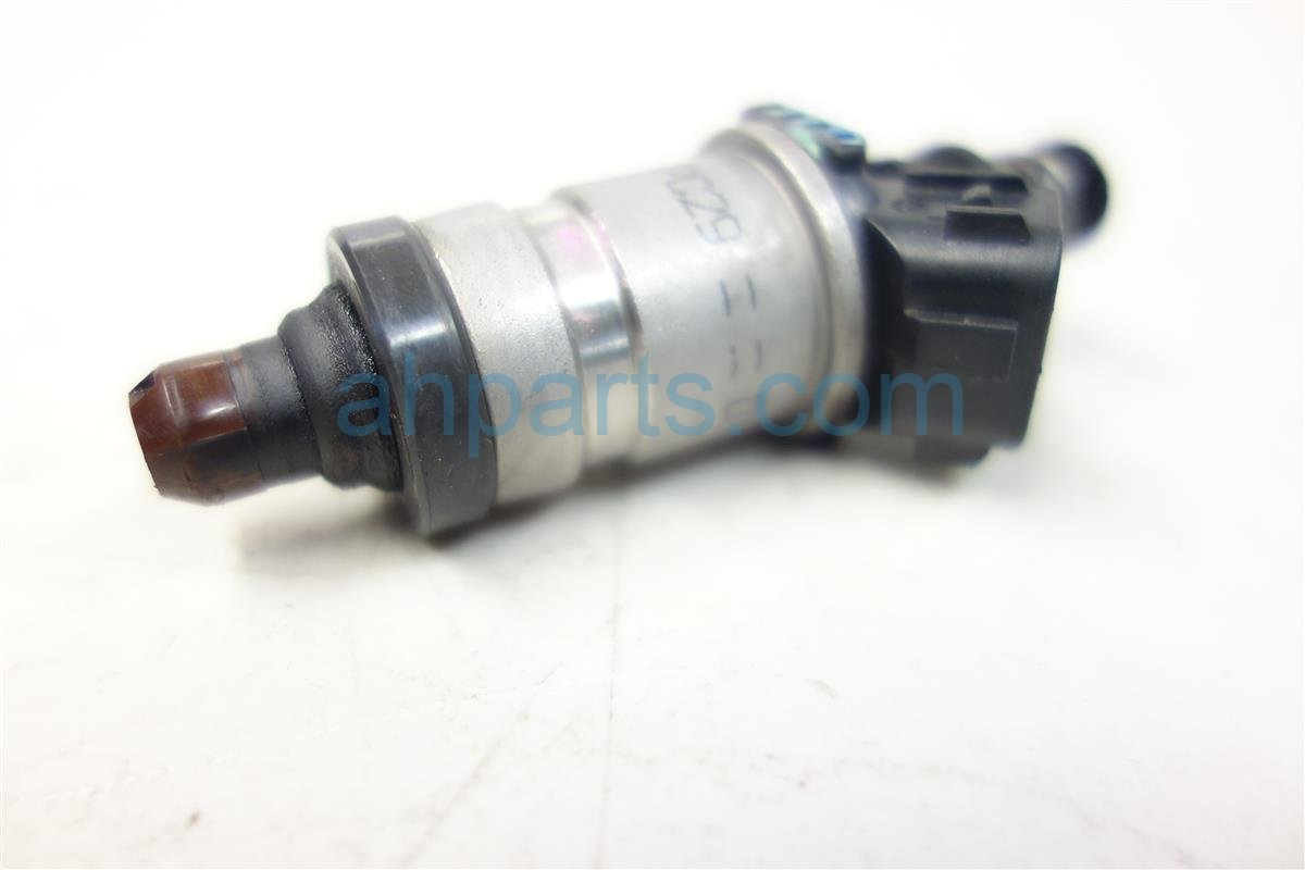 2002 Acura RL FUEL INJECTOR 06164 P5A A00 06164P5AA00 Replacement