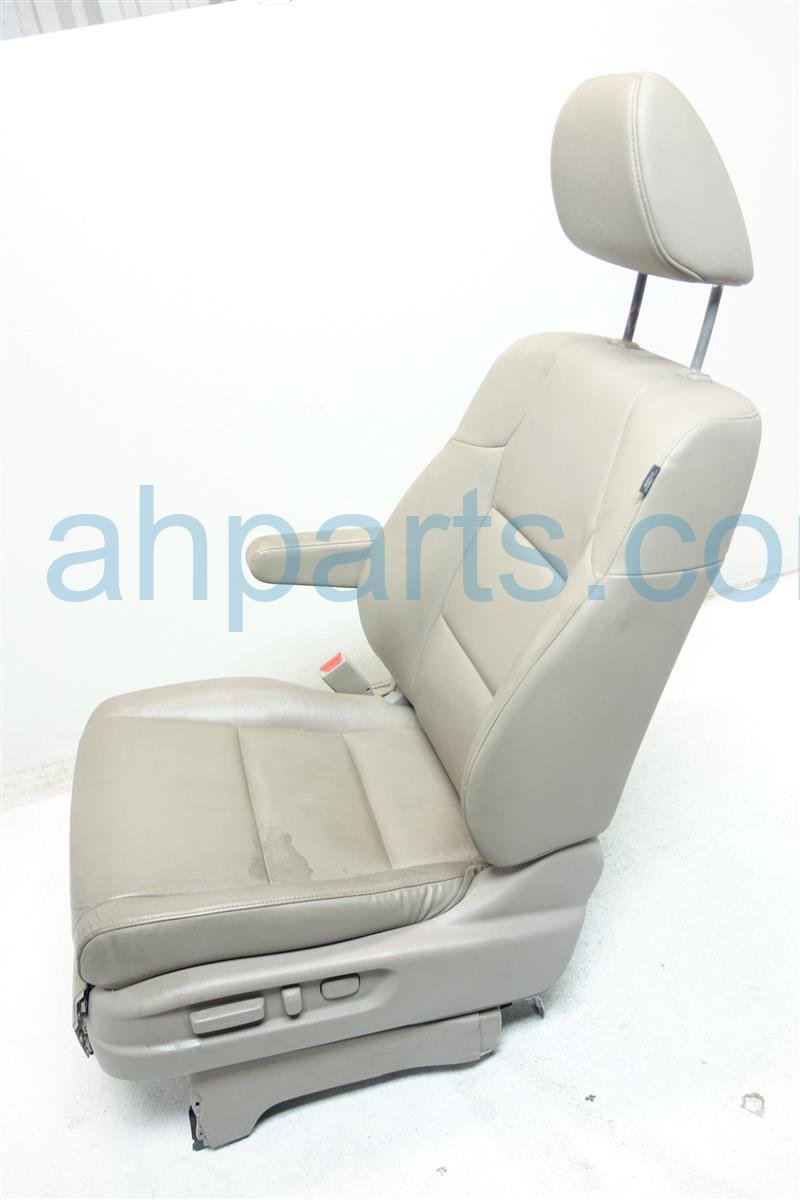 2011 Honda Odyssey Front driver SEAT TAN LEATHER 04815 TK8 A40ZC 04815TK8A40ZC Replacement