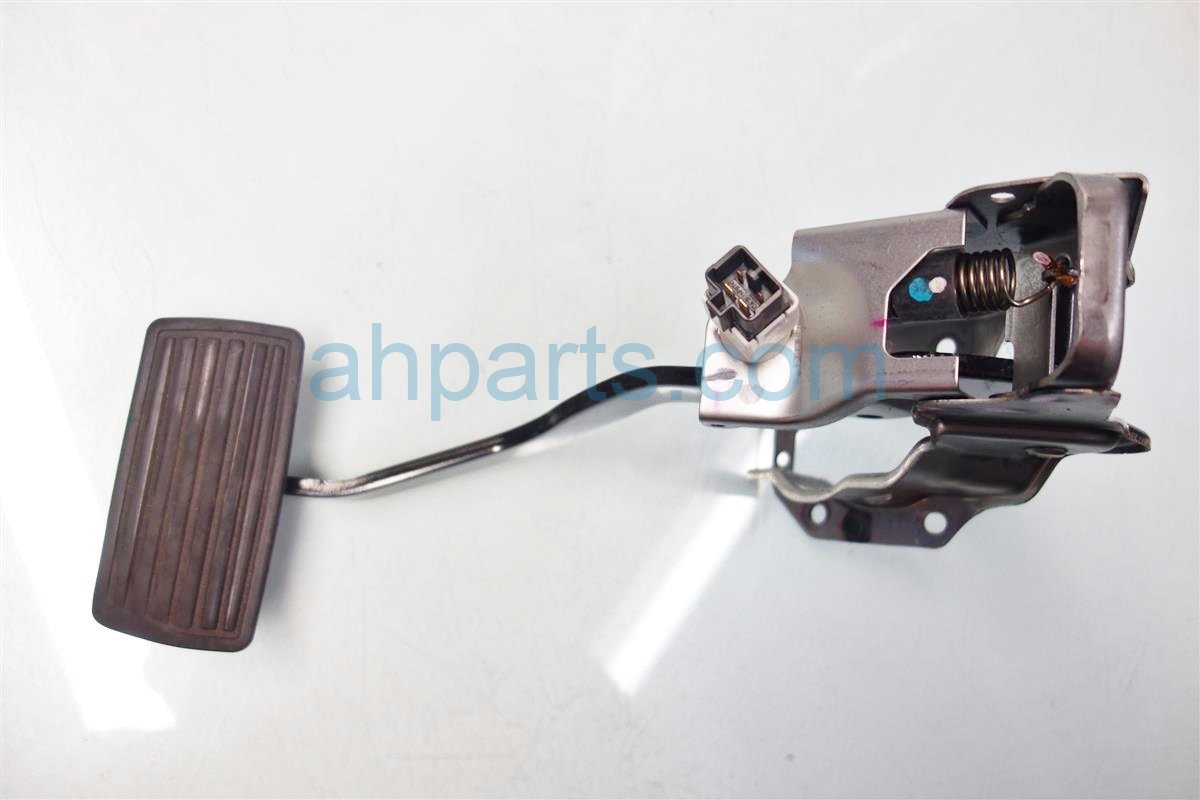 2007 Honda CR V BRAKE PEDAL Replacement