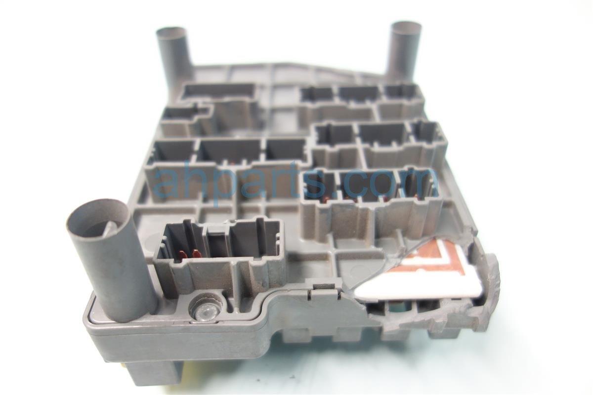 1999 Acura NSX FUSE BOX BROKEN CLIP BROKEN PLUG 38200 SL0 013 38200SL0013 Replacement
