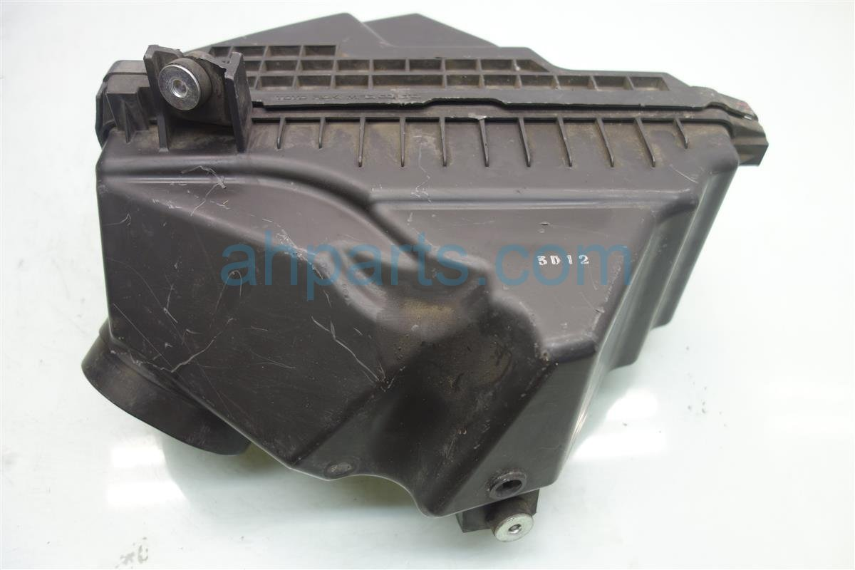 2005 Acura RL Intake AIR CLEANER Box only 17211 RJA A00 17211RJAA00 Replacement