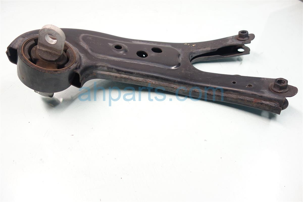 2010 Lexus Rx350 Rear passenger LOWER CONTROL ARM 487600E050 Replacement