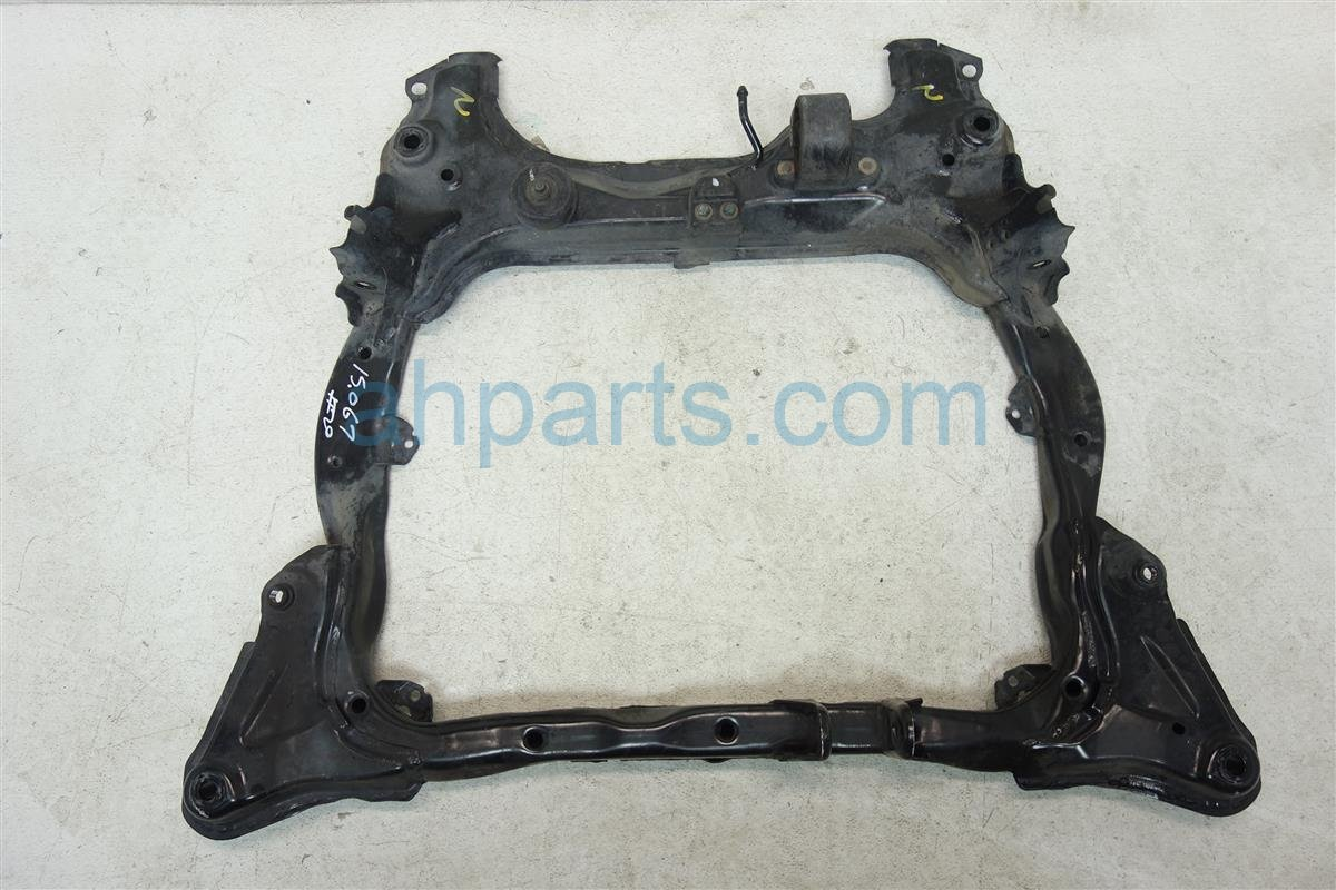 2003 Honda Civic Crossmember Front Sub Frame Cradle Beam