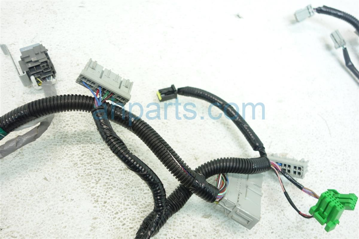 DSC05101 buy $150 2004 honda s2000 dashboard wire harness 32150 s2a a62 honda s2000 engine wiring harness at aneh.co
