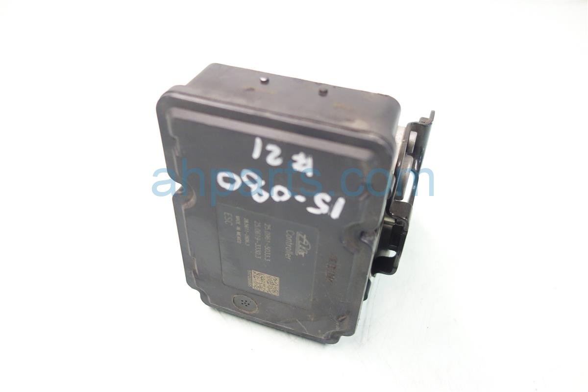2011 Honda Odyssey anti lock brake ABS VSA PUMP MODULATOR 57111 TK8 A01 57111TK8A01 Replacement